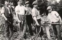 Im Lohwald (von links- Otto Maurer, Eduard Weck, August Mohr, Albert Franzmann, Karl Haas)