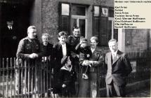 Familien Fries und Hofmann mit Soldaten